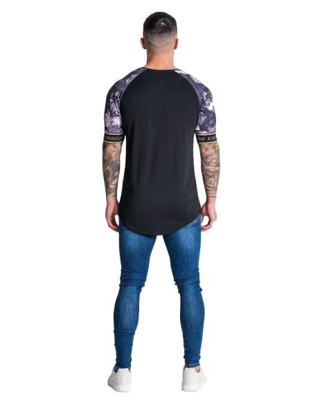 Camiseta Gianni Kavanagh Negra Con Estampado De Rosas