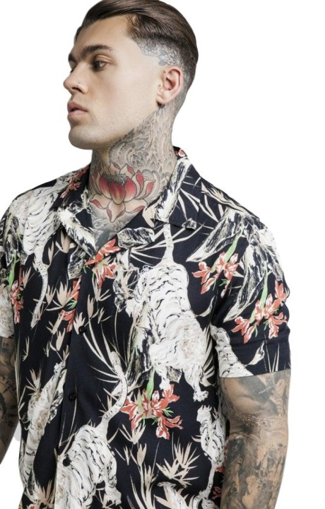 Camiseta SikSilk Curved...