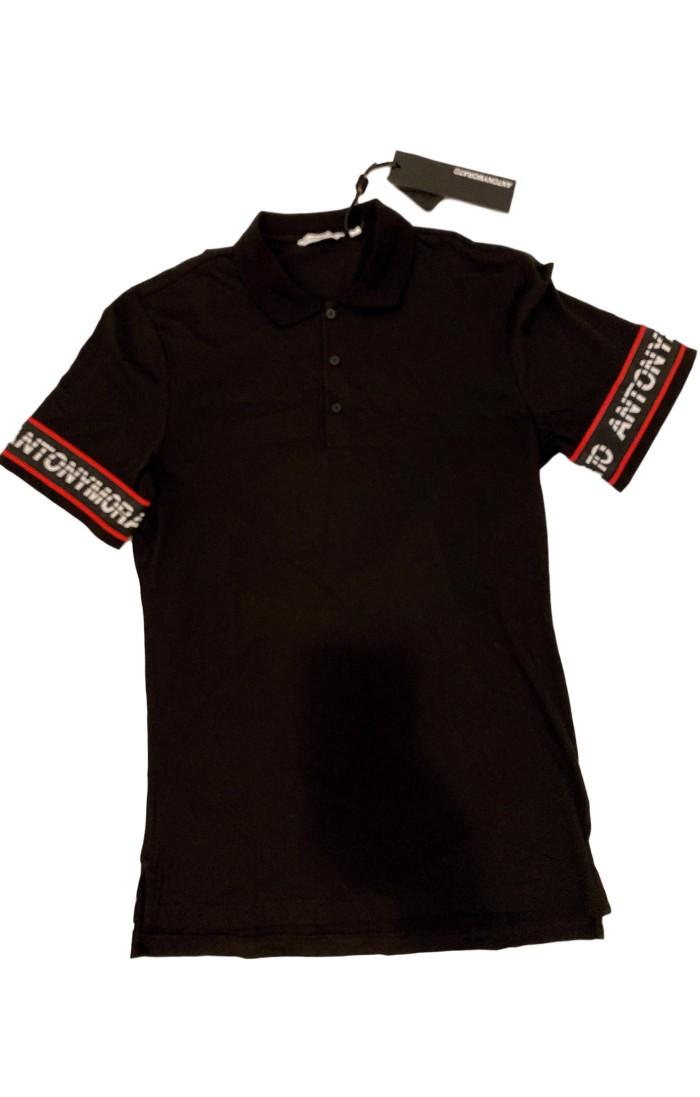 T-Shirt Gianni Kavanagh Noir Avec Motifs Roses