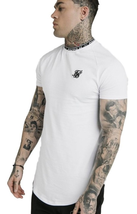 Camiseta SikSilk Gym con Dobladillo Curvo Blanco